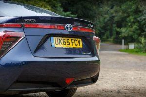 What are the best used hybrid cars to have a seamless driving experience?